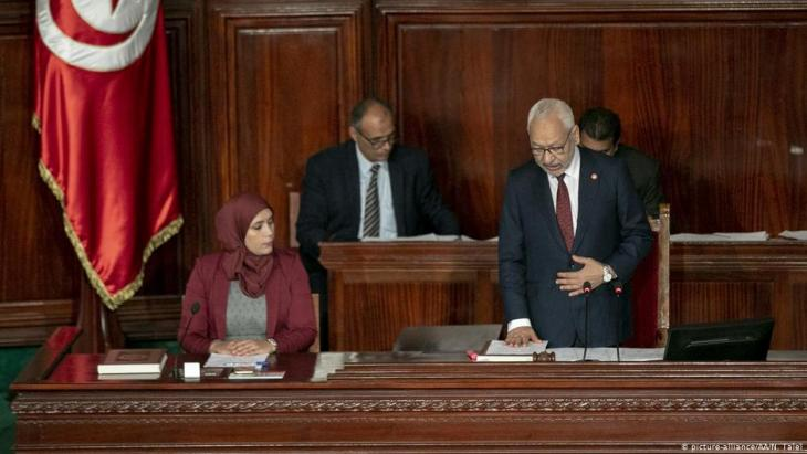 Leader of the Ennahda movement Rachid Ghannouchi takes the oath as he attends the first session and oath-taking ceremony of the Tunisian parliament after Tunisia's Supreme Election Council announced results of the parliamentary elections in Tunis, Tunisia, on 13 November 2019 (photo: picture-alliance/AA/N. Talel)