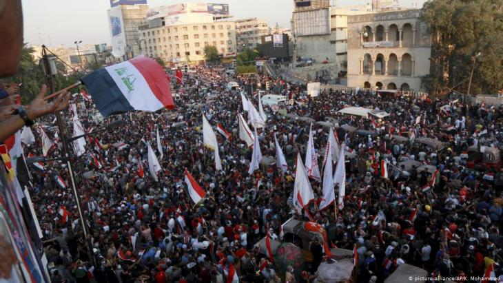 Democracy activists on Tahrir Square in Baghdad (photo: Reuters)