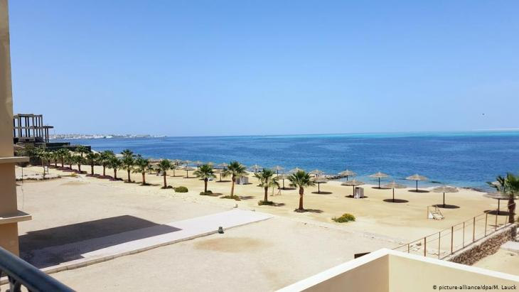 Empty beaches in the Egyptian resort of Hurghada (photo: picture-alliance/dpa)