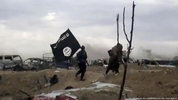 Islamic State fighters in Baghouz (photo: AP/picture-alliance)