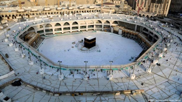 Mecca's Grand Mosque with the Kaaba has been deserted since the beginning of the corona pandemic (photo: Getty Images/AFP)