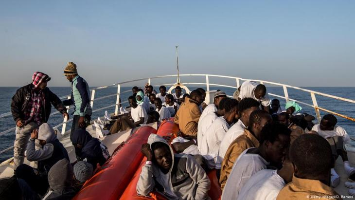 Refugees on the Mediterranean Sea (photo: Getty Images/D. Ramos)