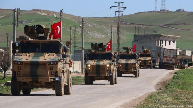 Turkish military convoy in the vicinity of Idlib, Syria (photo: picture-alliance/AA/I. Khatib)