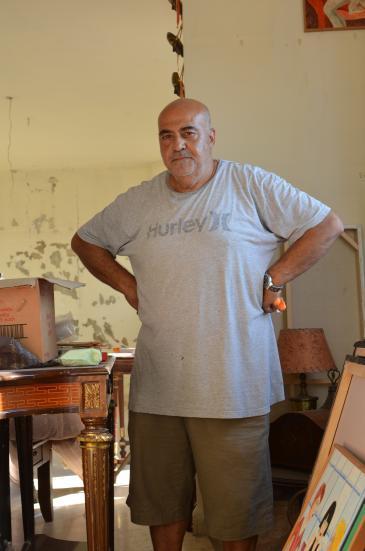 Mounir al-Khodr in his damaged flat in Beirut (photo: Julia Neumann)