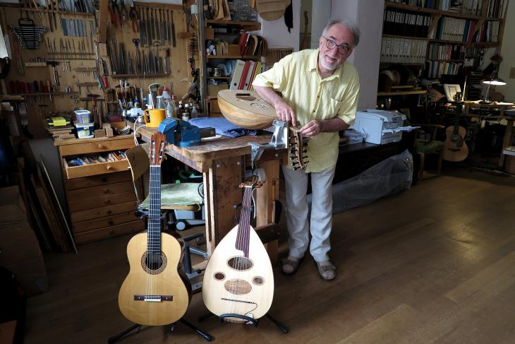 Matthias Wagner in his workshop (photo: Dorothee Philipp)