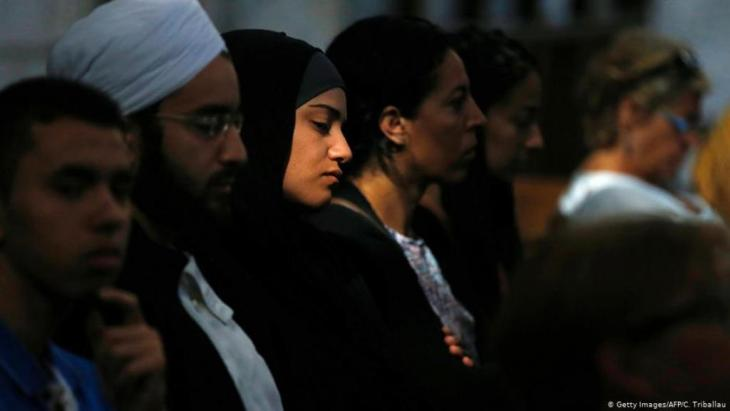 Memorial service in the French city of Rouen following the murder of a priest in a church in Saint Etienne du Rouvray, Normandy, by two 19 year-old Islamist extremists in August 2016 (photo: Getty Images/AFP/C. Triballau)