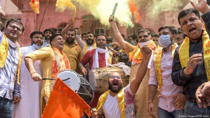 People celebrating in Ayodhya (photo: Getty Images/AFP/N. Nanu)