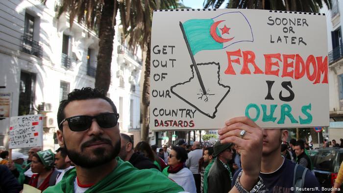 Algeria: Anti-government protests (photo: Reuters/R.Boudna)