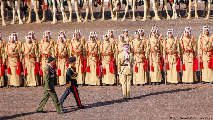 King Abdullah at a military ceremony in Amman (photo: Balkis Press/ABACA/picture-alliance)