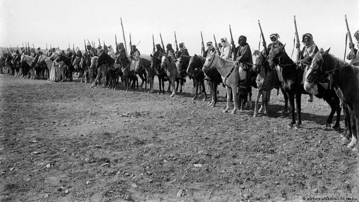 Troops of the newly founded Jordan in 1921 (photo: picture-alliance/CPA Media)
