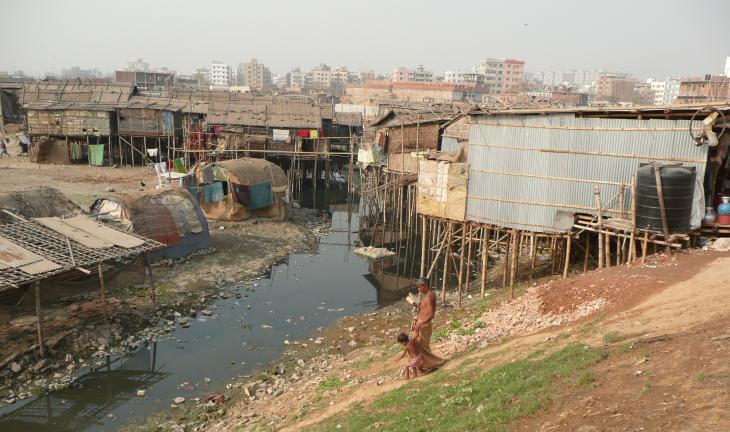 Slum settlement in Dhaka, Bangladesh (photo: Dominik Muller)