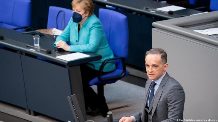 German Foreign Minister Heiko Maas addresses the Bundestag (photo: Kay Niietfeld/dpa/picture-alliance)