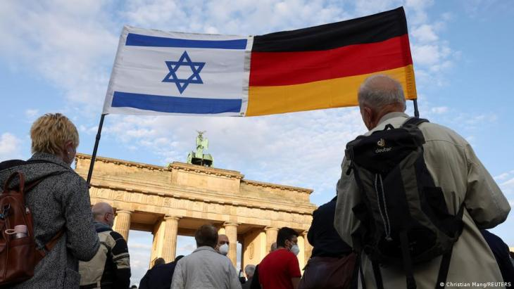 People demonstrating against anti-Semitism in front of the Brandeburg Gate in Berlin, Germany (photo: Christian Mang/Reuters)