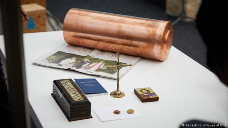 Contents of the time capsule set beneath the foundation stone (photo: Rene Arnold/House of One)
