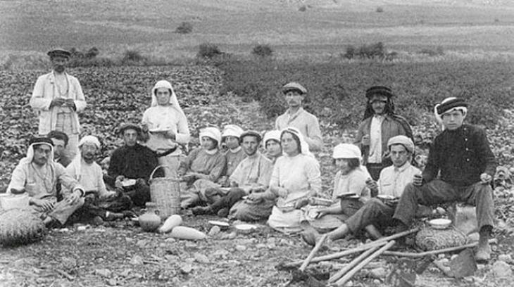Jewish settlers in Palestine in the 1880s (source: https://orientxxi.info)