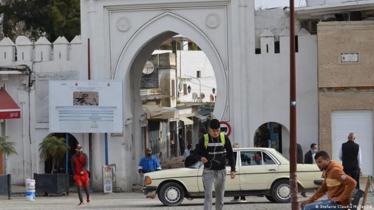 Entrance to the old town (medina) of Tangiers (photo: Stefanie Claudia Müller/DW)