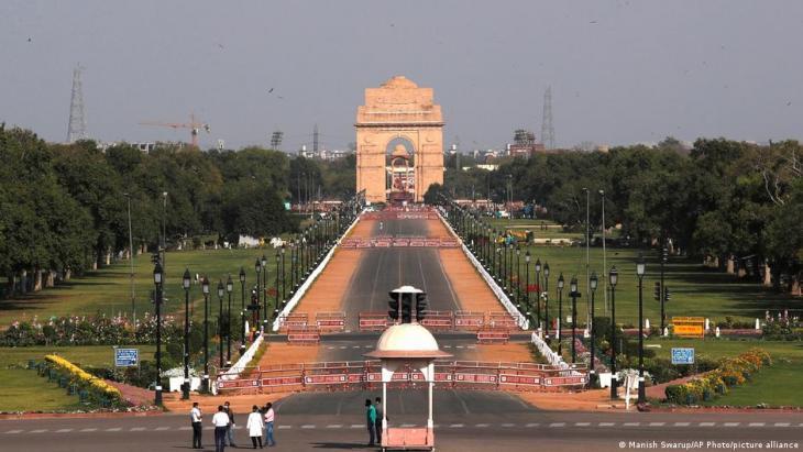 Rajpath Boulevard in New Delhi, the site of Modi's Central Vista project (photo: Manish Swarup/AP Photo/picture-alliance)