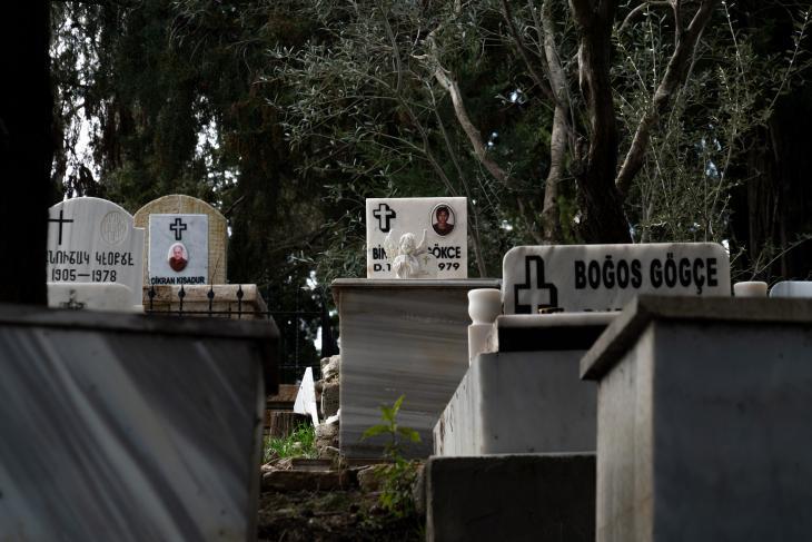 Graveyard in the village of Vakıflı (photo: Jochen Menzel/transfers-film)