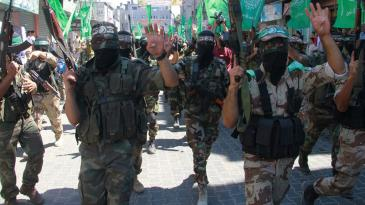 Members of Hamas parade in the Gaza Strip (photo: jerusalem.net)