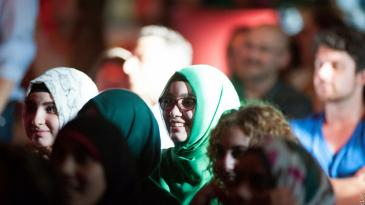 The audience at a i,slam show (photo: Arne List/DW)