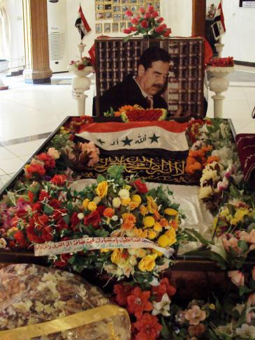 Saddam Hussein's grave in Al-Awja near Tikrit (photo: Birgit Svensson)