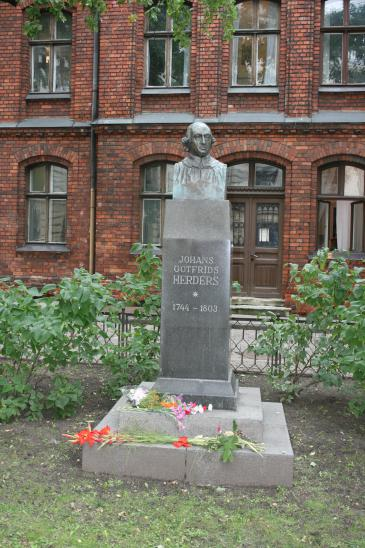 Herder memorial in Riga (photo: Wikipedia)