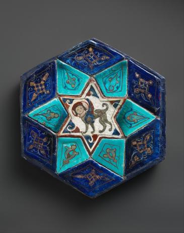 Seljuk of Rum period (1081-1307): 12th century hexagonal tile from Konya, Turkey (source: Wikimedia Commons; Metropolitan Museum of Art)