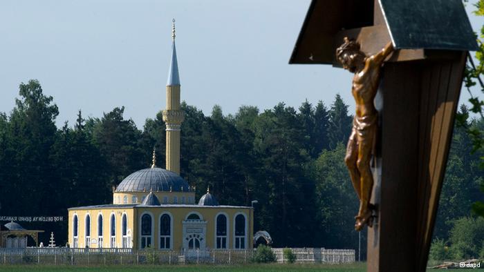 Kanun-i Sultan Süleyman Mosque: Coexistence of religions