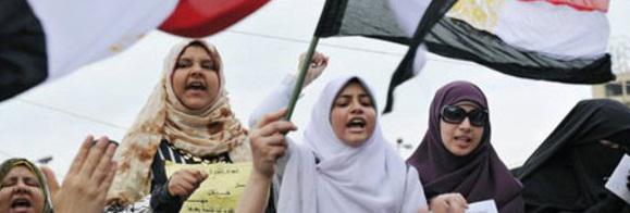 Egyptian women protested against the system on an equal footing with men – a sight that some western observers found unusual