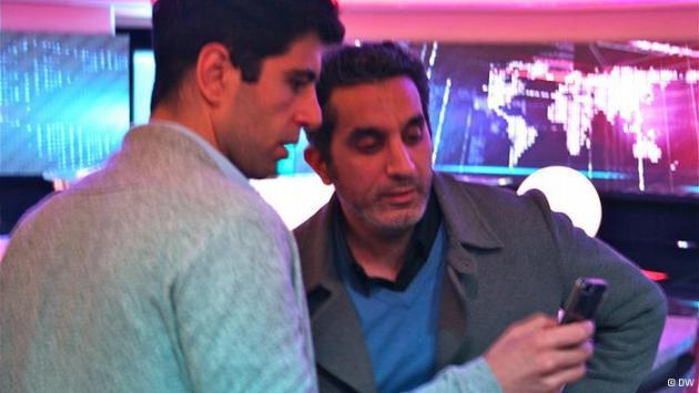 Bassem Youssef and a fan (photo: DW)