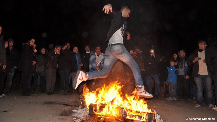 "The ""Chaharshanbeh-soori"" fire jump (photo: © Mohamad Mohamadi)"