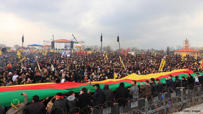 Kurds celebrating Nowruz in Turkey (photo: © Getty Images)