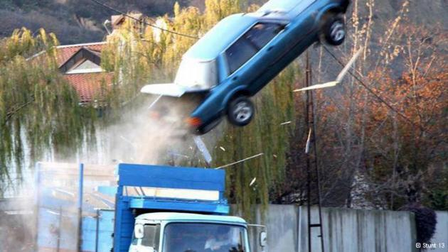 Car stunt (photo: Stunt 13)