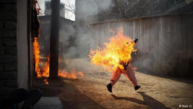 A stunt woman covered in flames (photo: Stunt 13)