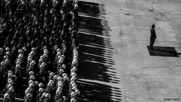 Rows of military personnel in the morning sunshine (photo: Majid Saeedi)