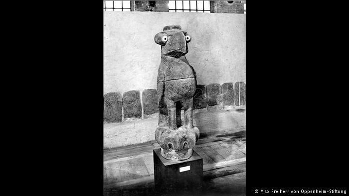 Statue (photo: Max Freiherr von Oppenheim-Stiftung)