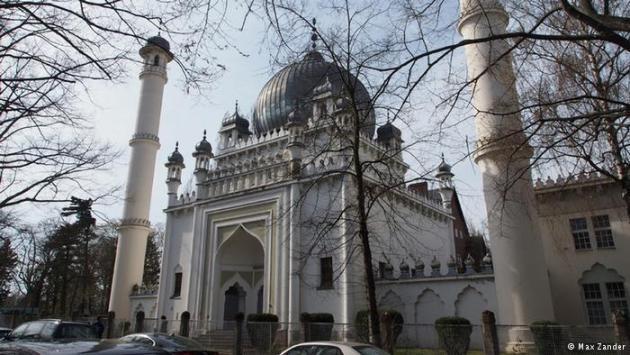 The Berlin Mosque in Berlin-Wilmersdorf (photo: Max Zander)
