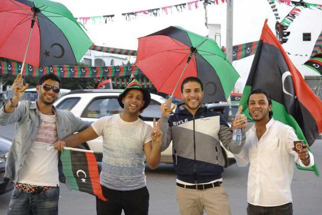 Cheerful men, Tripoli, 17 February 2014 (photo: Valerie Stocker)
