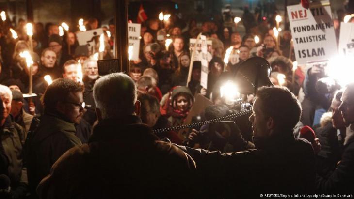 Demonstration against fundamentalist Islam in Copenhagen, 19 January 2015 (photo: Reuters/Sophia Juliane Lyndolph/Scanpix Denmark)