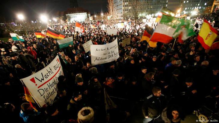 Pegida march (photo: Reuters/F. Bensch)