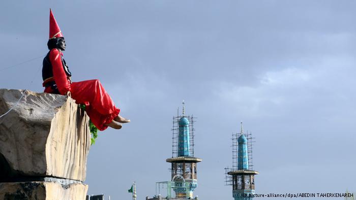 photo: picture-alliance/dpa/ABEDIN TAHERKENAREH