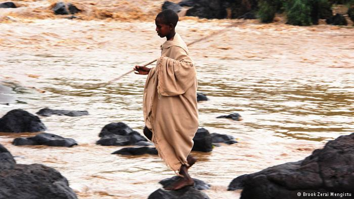 Lessons of humility by the Blue Nile (photo: Brook Zerai Mengistu)
