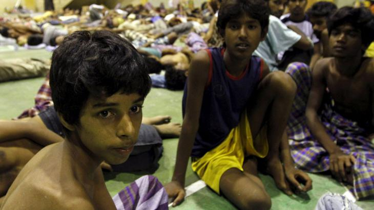 Migrants believed to be Rohingya in a shelter, Lhoksukon, Indonesia, 11 May 2015 (photo: Reuters/R. Bintang)
