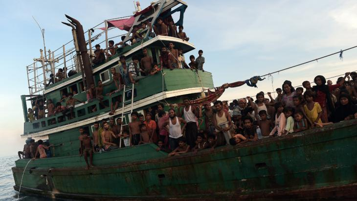 Rohingya migrants on a boat off the coast of Thailand, 14 May 2015 (photo: Getty Images/Afp/C. Archambault)