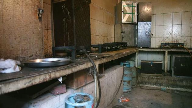 Kitchen in the living quarters for foreign workers, Qatar (photo: ARD/Die Story)