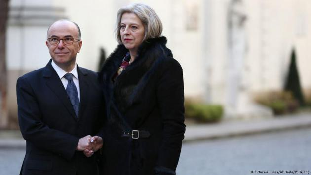 Bernard Cazeneuve and Theresa May (photo: picture-alliance/AP/P. Dejong)