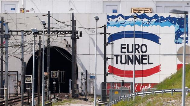 The entrance to the Channel Tunnel on the French side (photo: picture-alliance/dpa/Y. Valat)