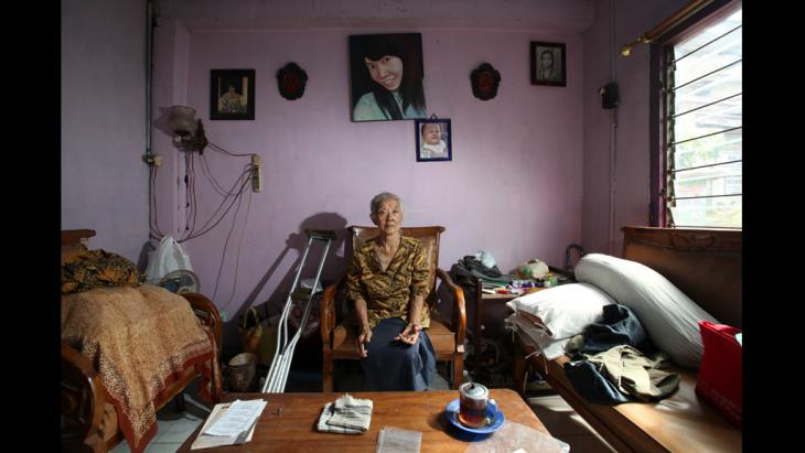"""Portraits of women for """"The Act of Living"""" exhibition (photo: Anne-Cecile Esteve)"""