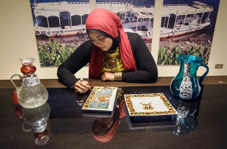 Nubian artist Saly Sayed works on contemporary decorative and art pieces inspired by Nubian and Islamic heritage (photo: Maya Hautefeuille)