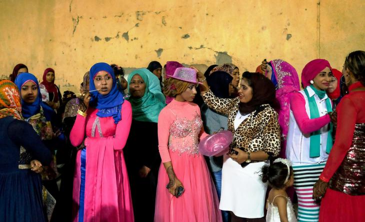 Young women attending a wedding in Aswan (photo: Maya Hautefeuille)